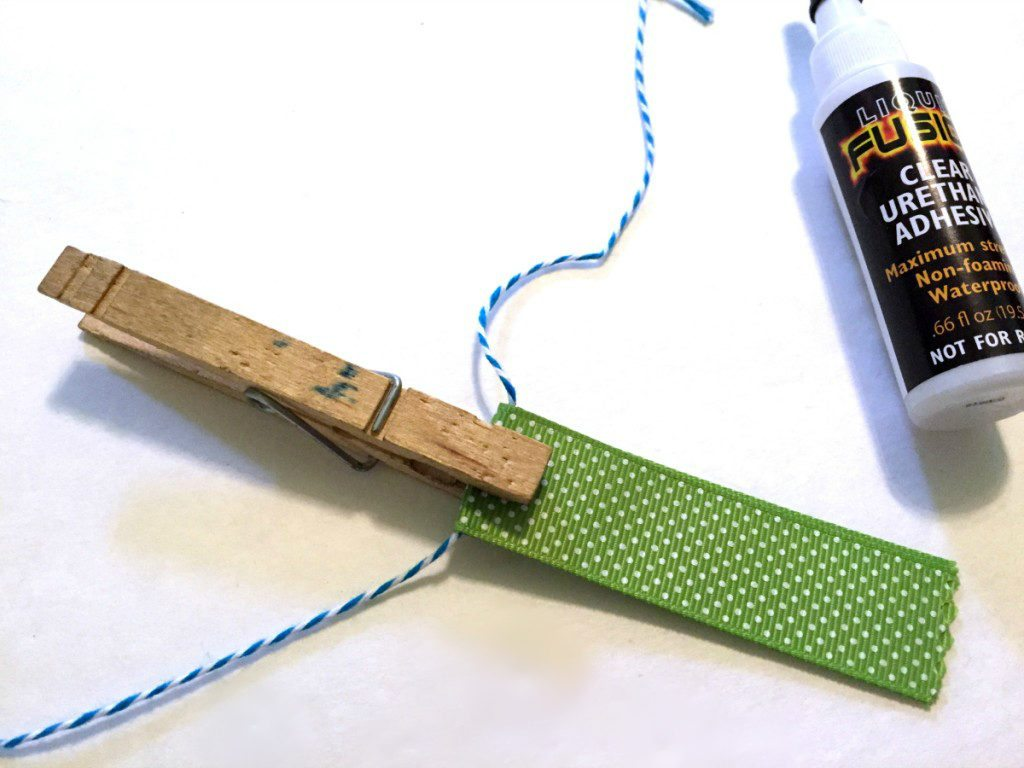 glue ribbons