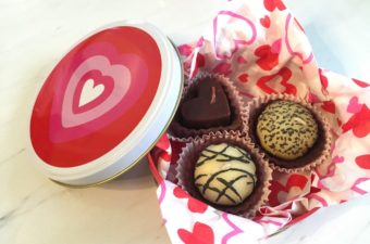 Quick Valentine Gift: Box of Chocolate Candles
